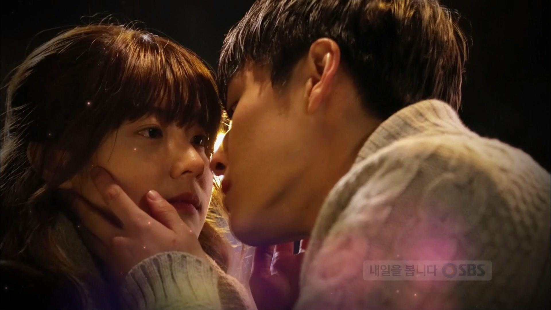 Soo Wan Becomes Dong Joo's Girl: Ojos de Ángel
