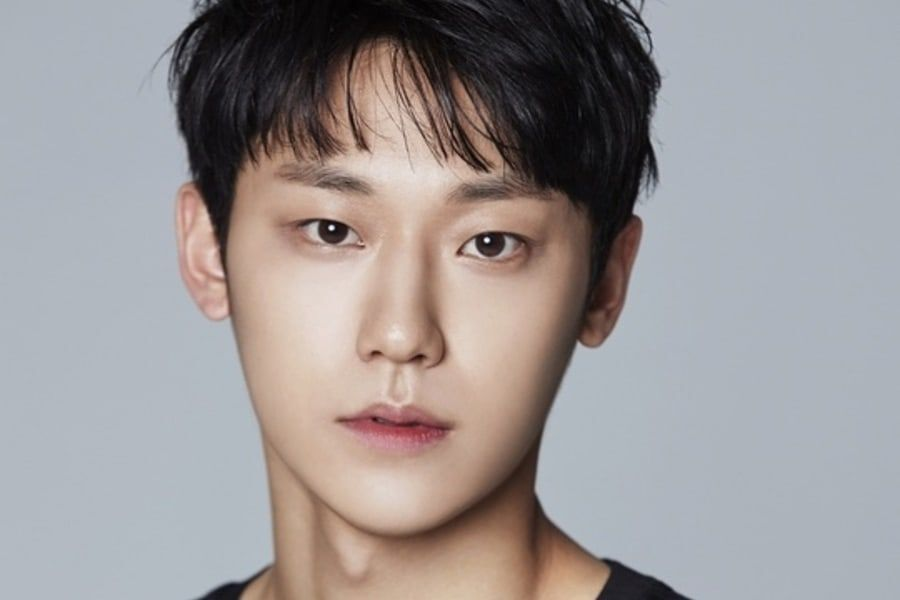 """Lee Do Hyun In Talks To Play Leading Role In """"Mr. Sunshine"""" PD Lee Eung  Bok's New Drama 