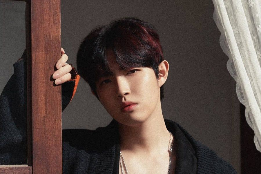 "Kim Jae Hwan Tops iTunes Charts In Multiple Countries With ""Moment"""