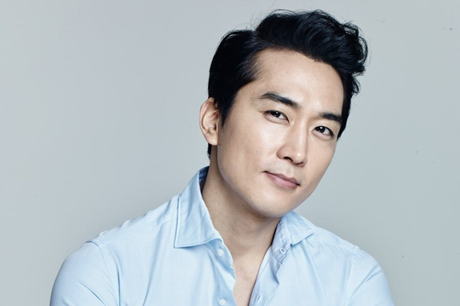 "Song Seung Heon In Talks To Lead 4th Season Of ""Voice"""