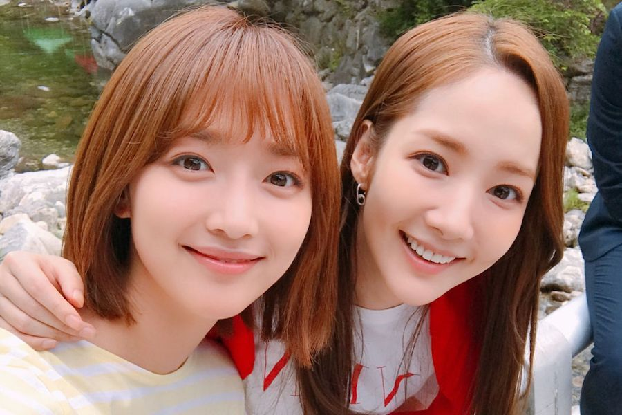 """Pyo Ye Jin Shares Touching Stories About Park Min Young From """"What's Wrong With Secretary Kim"""" Set"""